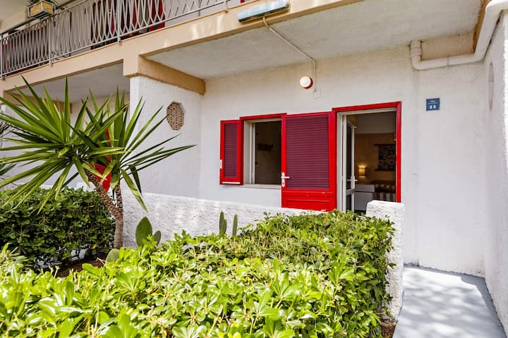 Rooms at 50 meters from Fontane Bianche beach with kitchenette - tip B
