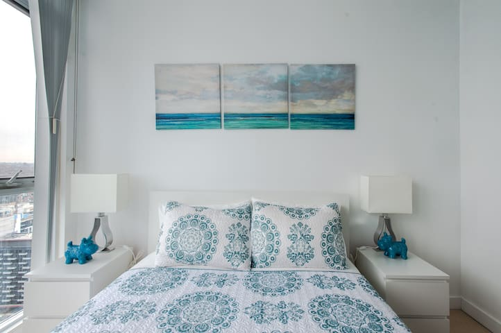 Master Bedroom - Front