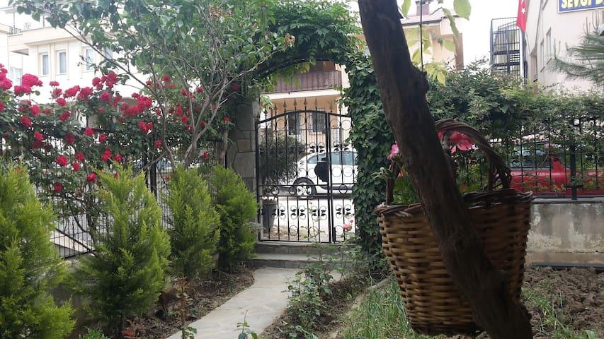Cozy Ground Floor Apartment - Bursa - Wohnung