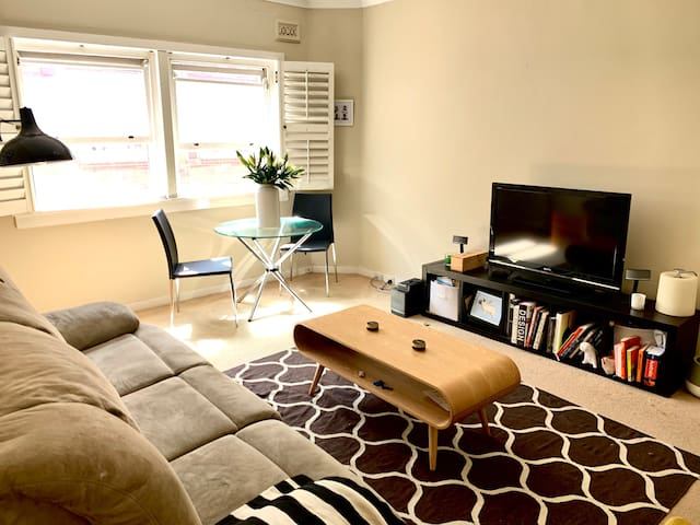 Spacious apartment in the best position Rose Bay