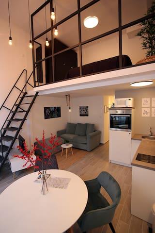 Balcony Studio Apartment 3