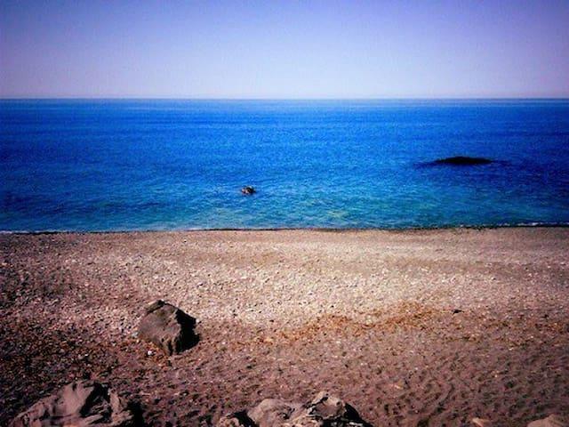 Duplex F4 au bord de mer a Tighremt, Bejaia.