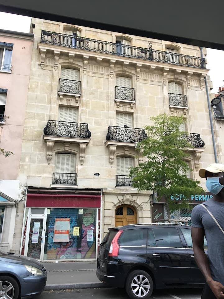 Appartement confortable, proche commerces et métro