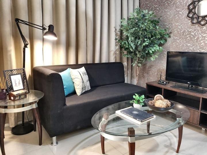 Modern 2BR Hampton Suites