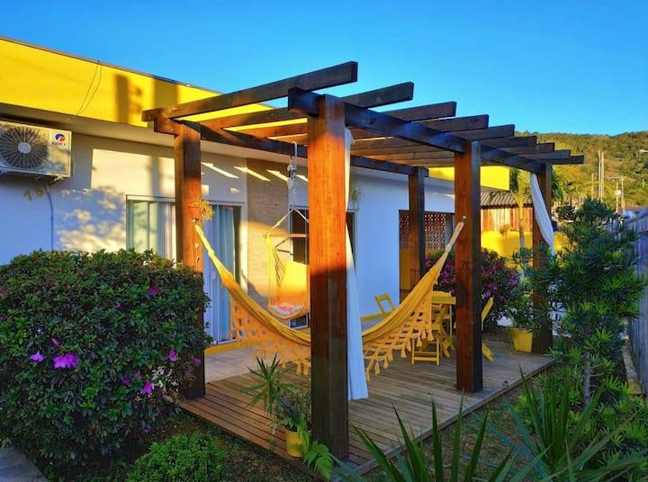 Suíte a 50m da Praia do Trapiche | Quintal de Sal