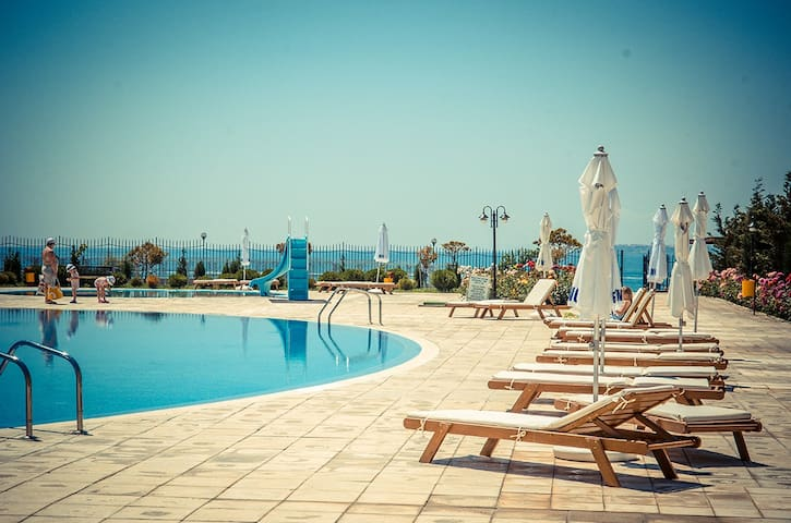 Beachfront apartment in a 5 star complex sleeps 5 - Sveti Vlas - Apartamento