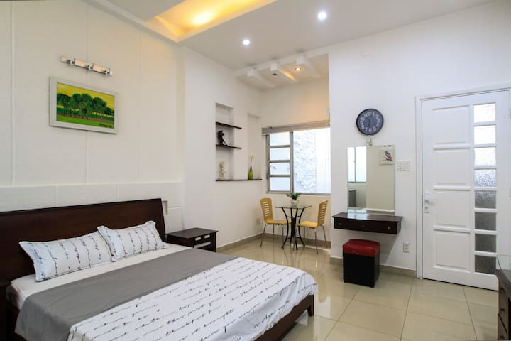 Nice house Near Airport , LotteMart. Cozy Apt 3Br