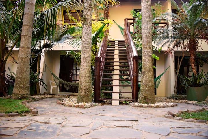 Flat Casal c/ Sacada Vila dos Coqueiros: Ar/Piscna