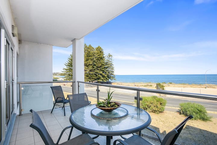 ❤️Bayline Beachfront Apartment no 4❤️