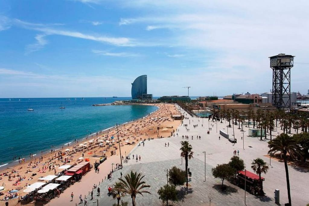 Enjoy Barcelona! The beach is 10 minutes walk from the flat.