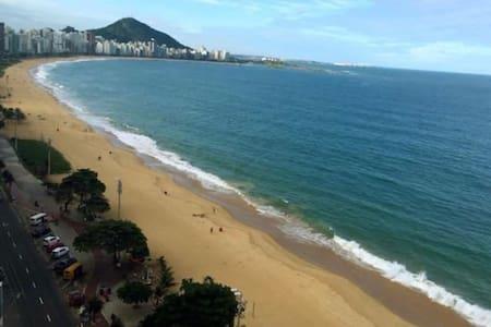 Quarto em cobertura confortável - Vila Velha - Huoneisto