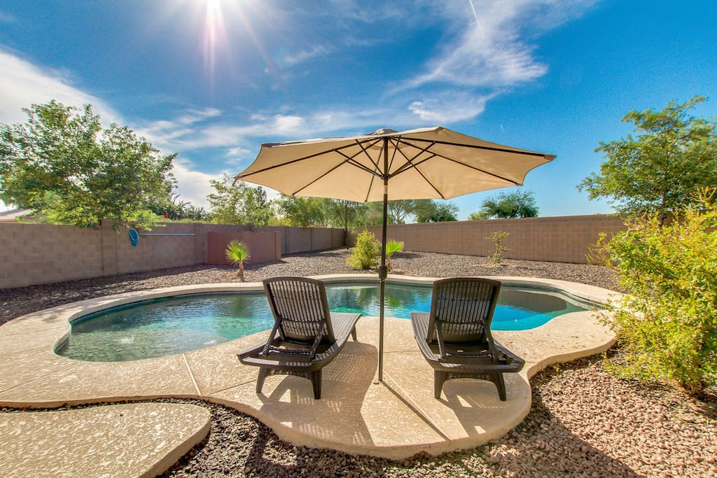 Spectacular Large Family And Friends Home With Sparkling Pool Houses For Rent In San Tan