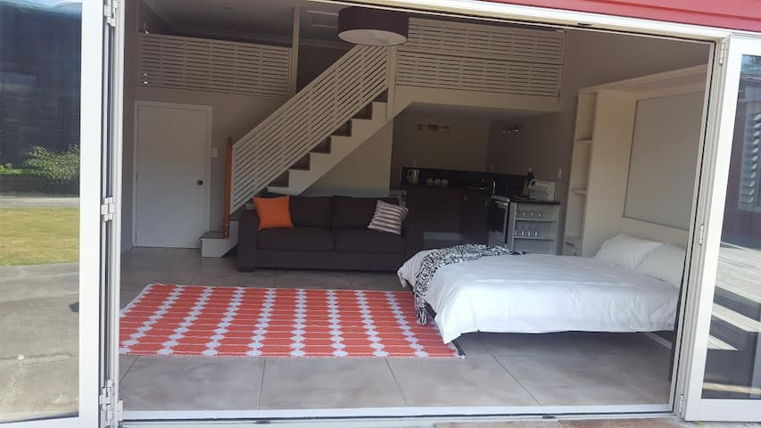 Cosy & Central self contained unit - Carterton - Rumah