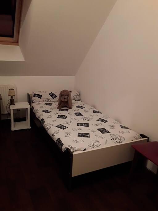Chambre 3 lit d'une personne