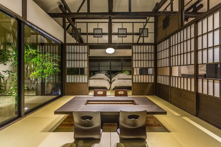 Traditional Japanese house in a nostalgic port city, with a yard, cypress bathtub, mount. Fuji view spot nearby