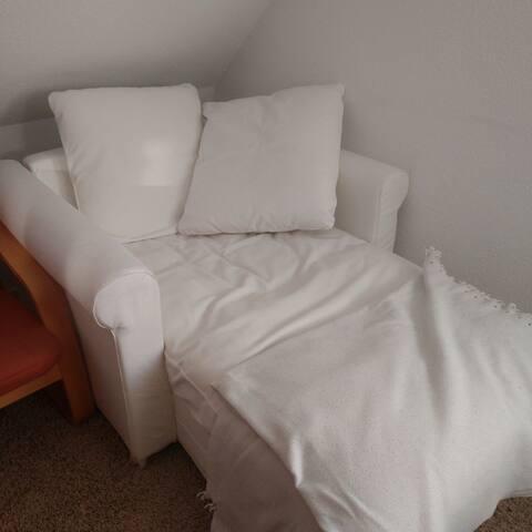 Kleines gemütliches Sofa im schönen Nordfriesland