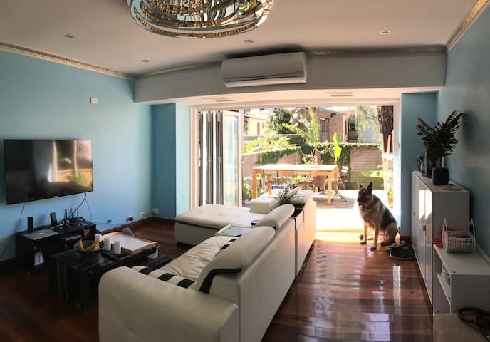 Beautiful Room To Call Home While In Sydney