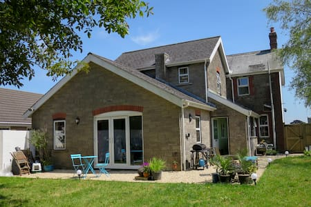Hill View B & B flexible accommodation for up to 4
