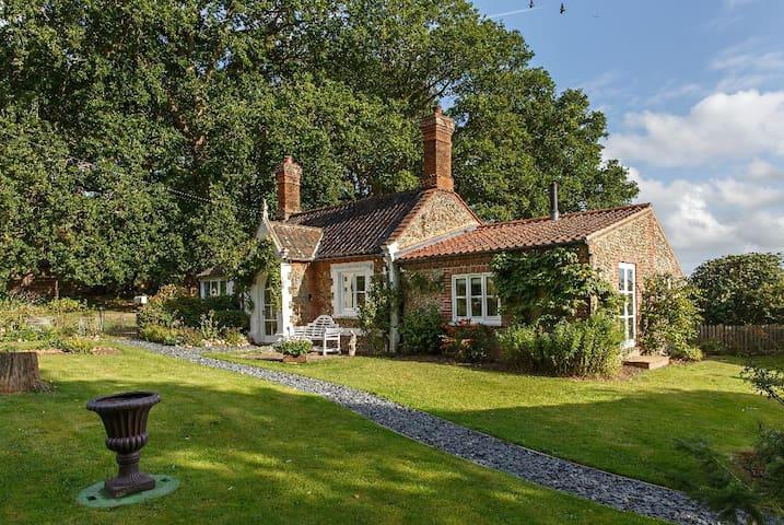 The perfect escape Summer Cottage Holt Norfolk