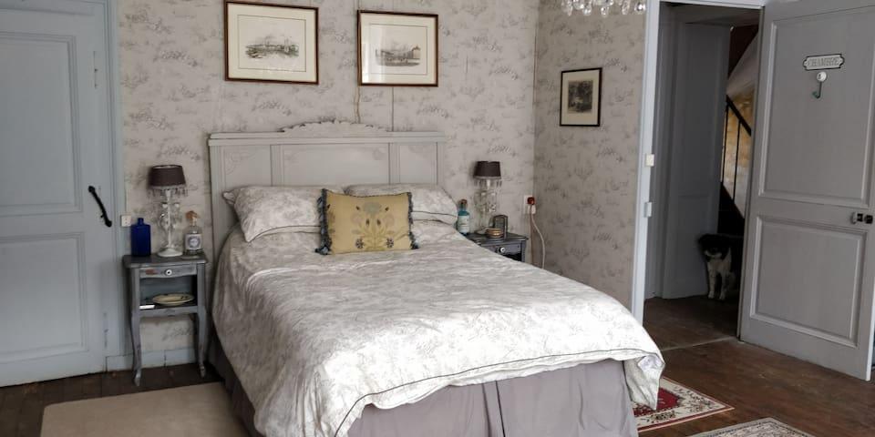 Bed bedroom 1