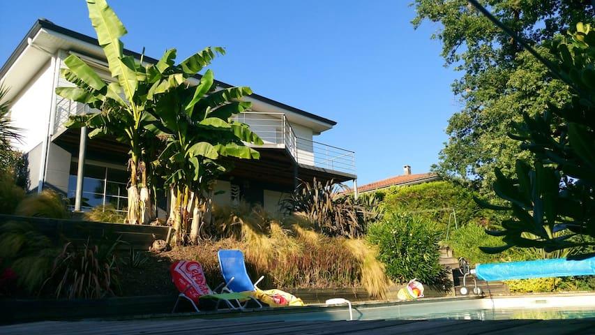 Villa avec piscine prox bordeaux lormont for Piscine lormont