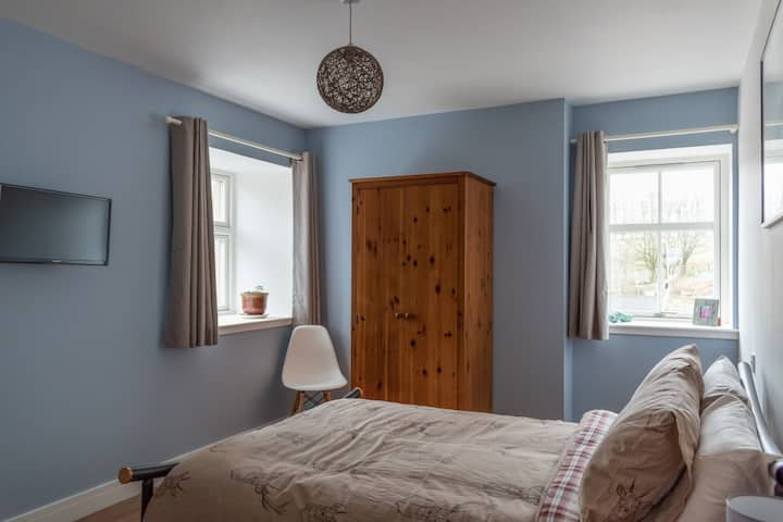 Double En-suite B&B room in converted barn
