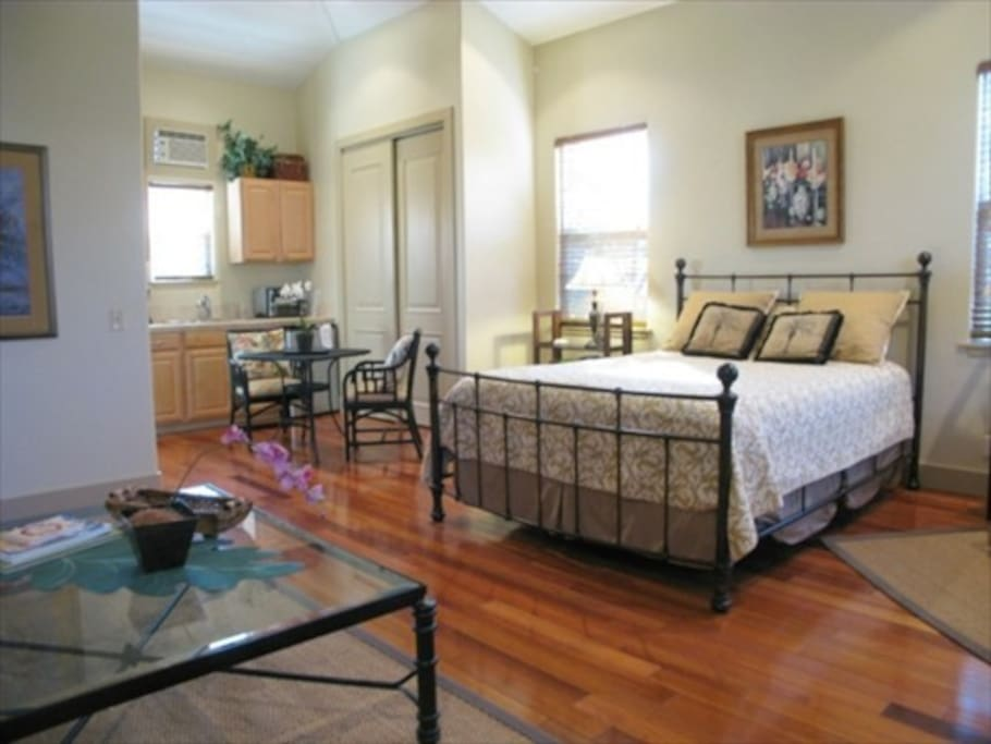 Large suite with queen bed. Kempas wood floors.