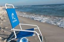 The Gulf, sun & White Sand awaits you!