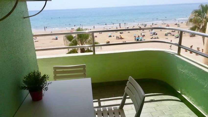 Lovely double room next to the beach