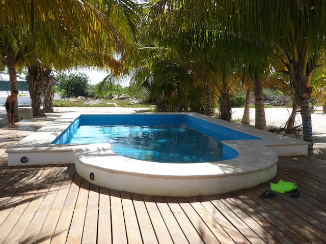 Serene Bungalow in Chicxulub mins from beach - Chicxulub Puerto - House
