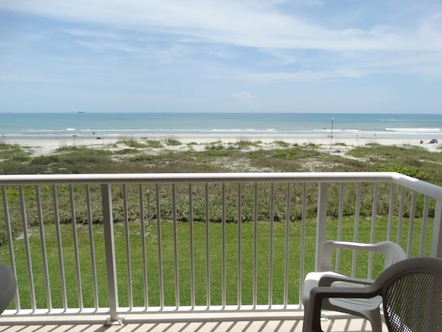 Spanish Main DIRECT OCEANFRONT Condo #66!