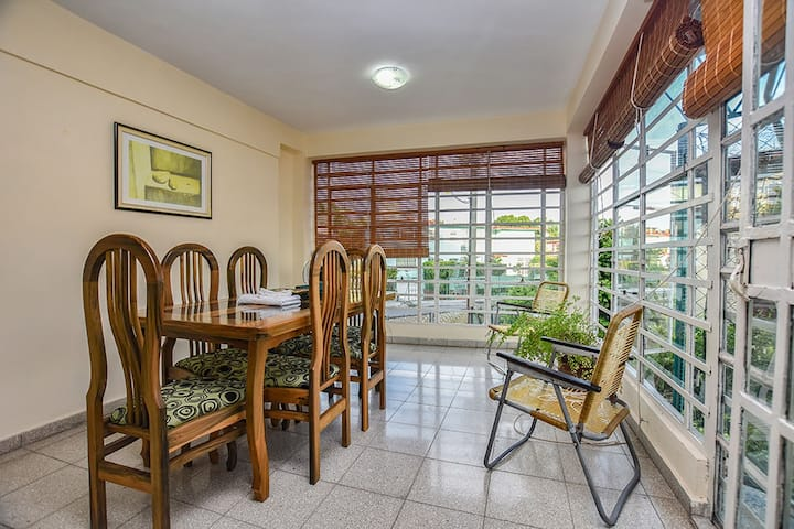 Private Apartment in New Vedado (Tere's House)