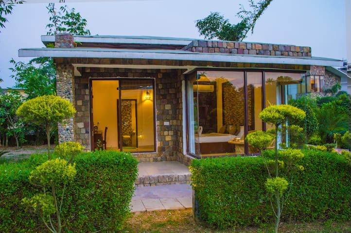 Stay With Adventure Activites In Jim Corbett - Sawal Deh East - Apartment