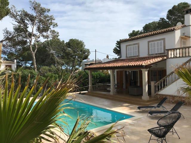 Villa Katy – nah zum Strand, Wifi, new Pool, Klima