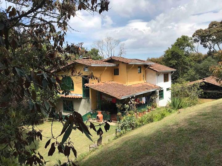 Rustic 4 bedroom farmhouse St Elena   25m Medellin