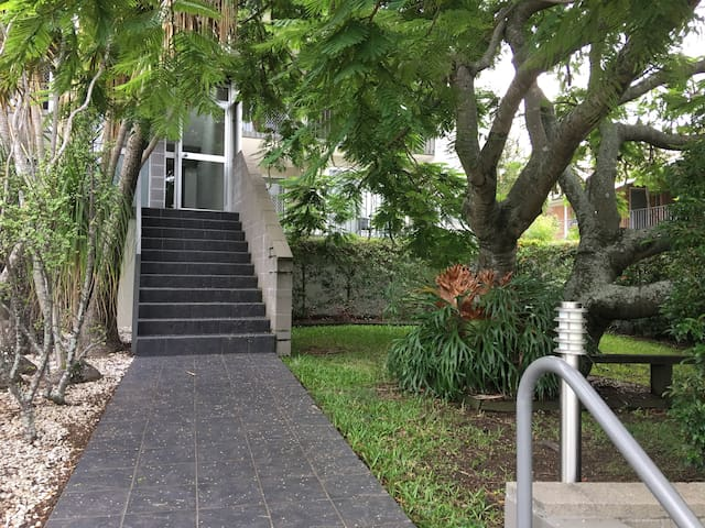 Walking distance to hospital - Chermside