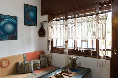 Habitación Privada muy cómoda c/ placard iluminada - Córdoba