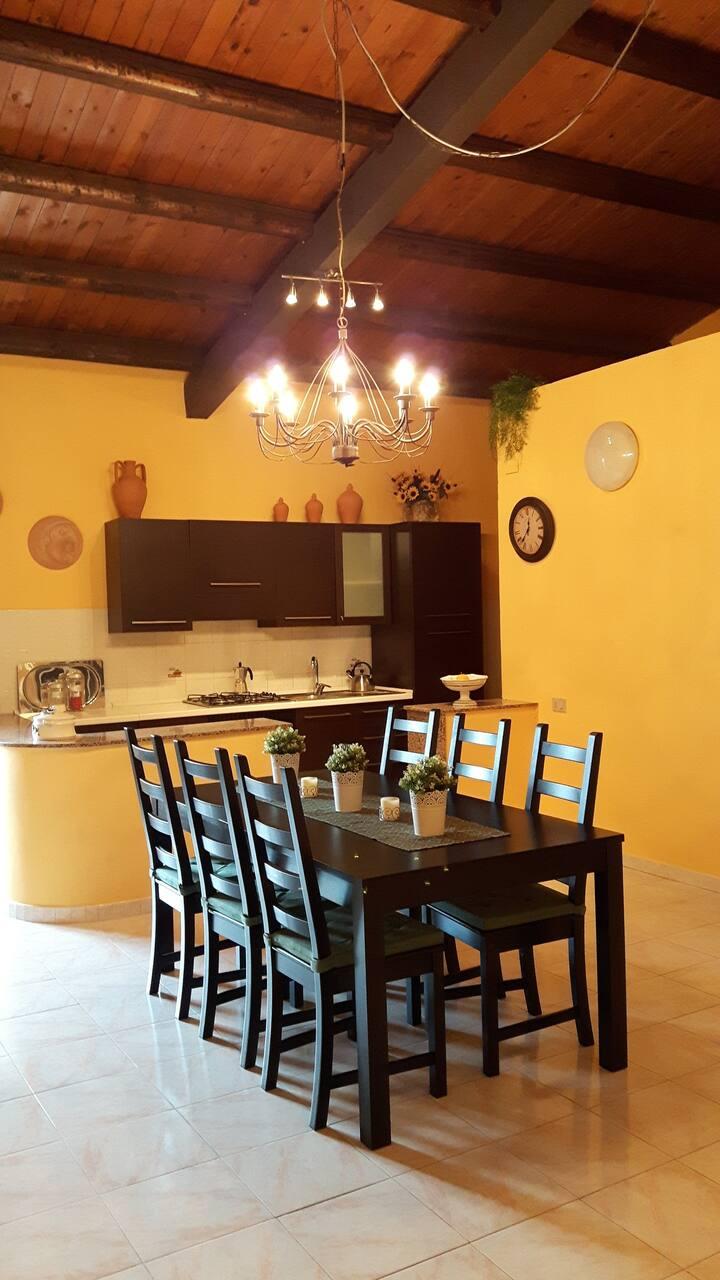 Yellow Villa in Pachino