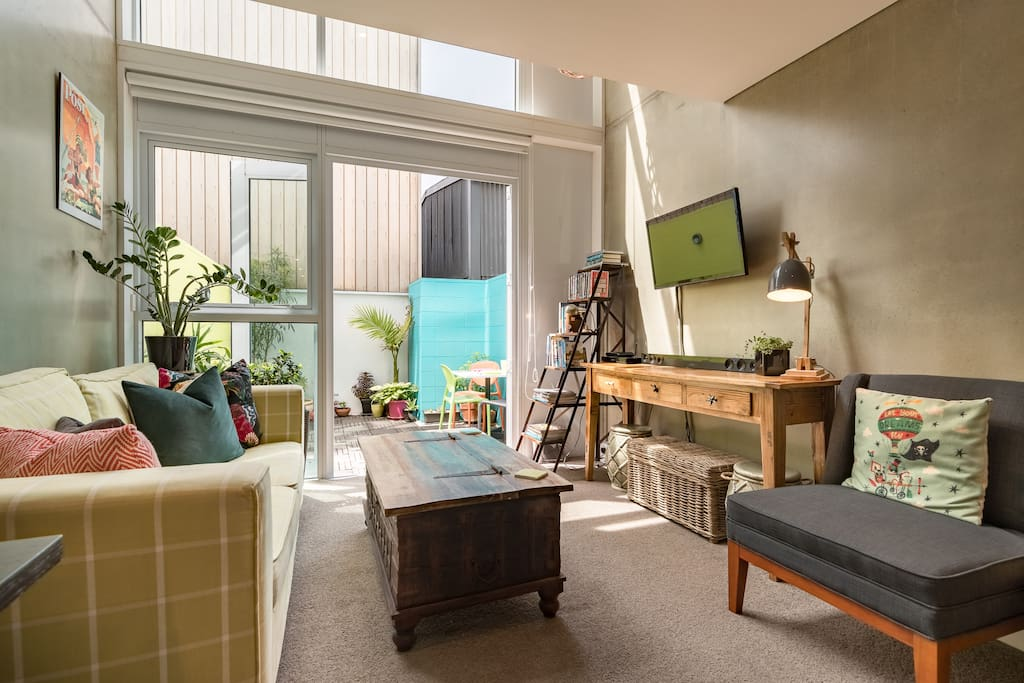 Stylish Canvas Apartment Prime Cuba Location Apartments For Rent In Te Aro Wellington New