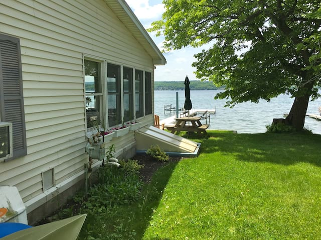 Shore Haven Retreat - Canandaigua - Ev