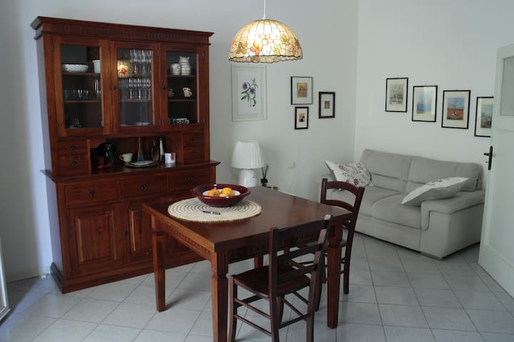 Central apartment on the first floor