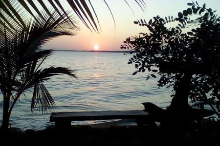 Suite independente, casa na frente de praia linda! - Vera Cruz