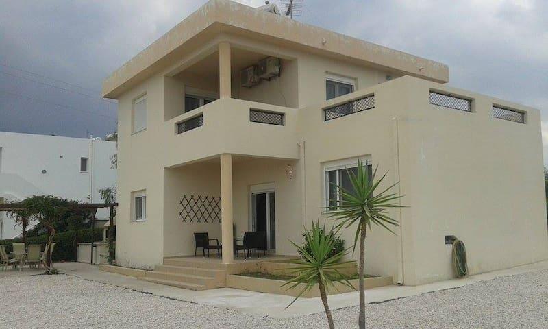 Haraki Springs Villa - Charaki - Villa