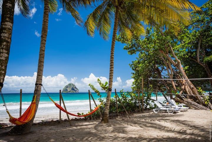 Villa 2 ch sur la plage du Diamant
