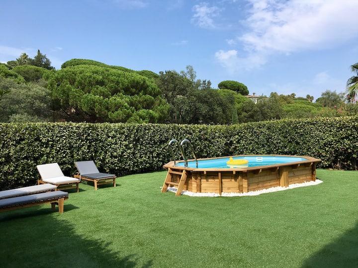 À 800m de la plage -Jardin et piscine privé-clim