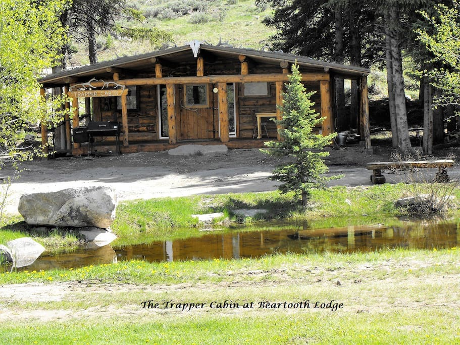The Trapper Cabin at Beartooth Lodge - Cabins for Rent in