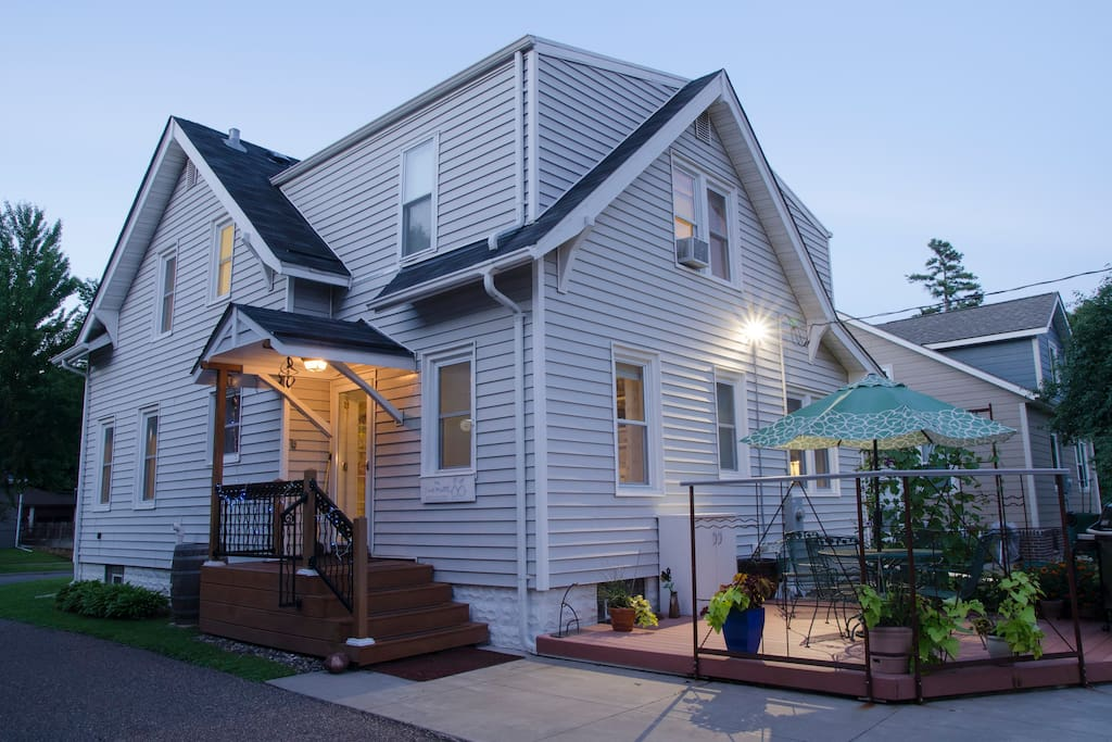 Take two artists and challenge them to rebuild a house from the ground up, furnishings included—that's The Two Muses' Guest House, located in beautiful St Paul, Minnesota!