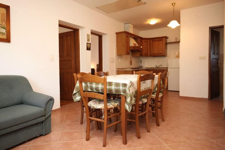 Two bedroom apartment with air-conditioning Punta križa, Cres (A-867-a)