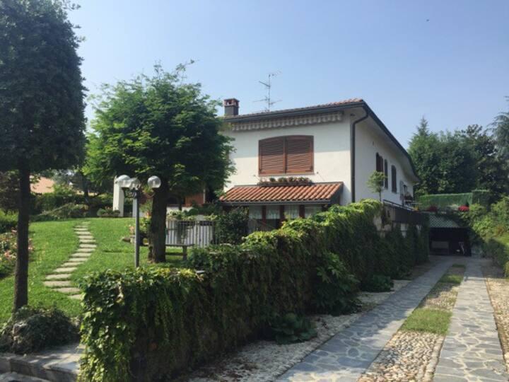 Просторный дом в Традате