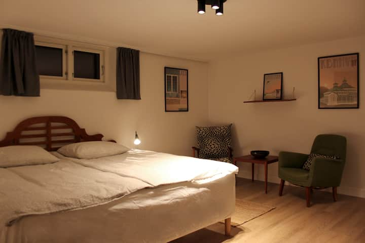 Beautiful room, nice kingsize bed, near CPH centre